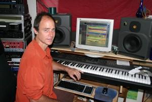 JOHN IN STUDIO SM